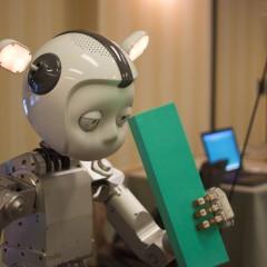 Das 'Kindchenschema' - humanoide Roboter sehen wie eine niedliche Form des Menschen aus. Jiuguang Wang@flickr - CC-BY-NC-SA